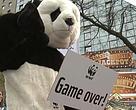 Acción de WWF en Berlín para pedir el fin de los combustibles fósiles
