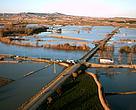 Crecida del Ebro a su paso por Novillas (Zaragoza) en febrero de 2003