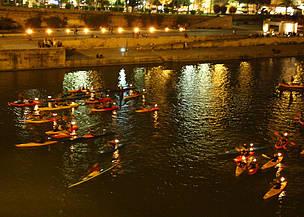 Demostración de piraguas. Guadalquivir. Sevilla / ©: WWF/Daniel García